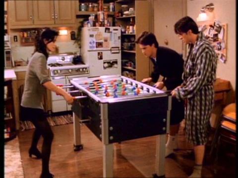 Comme Joey et Chandler, l'Ébouriffée a un baby foot.