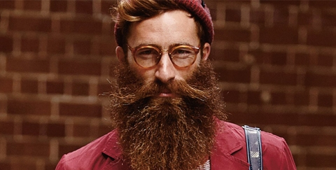 Barbe + lunettes + bonnet + cheveux courts = hipster.